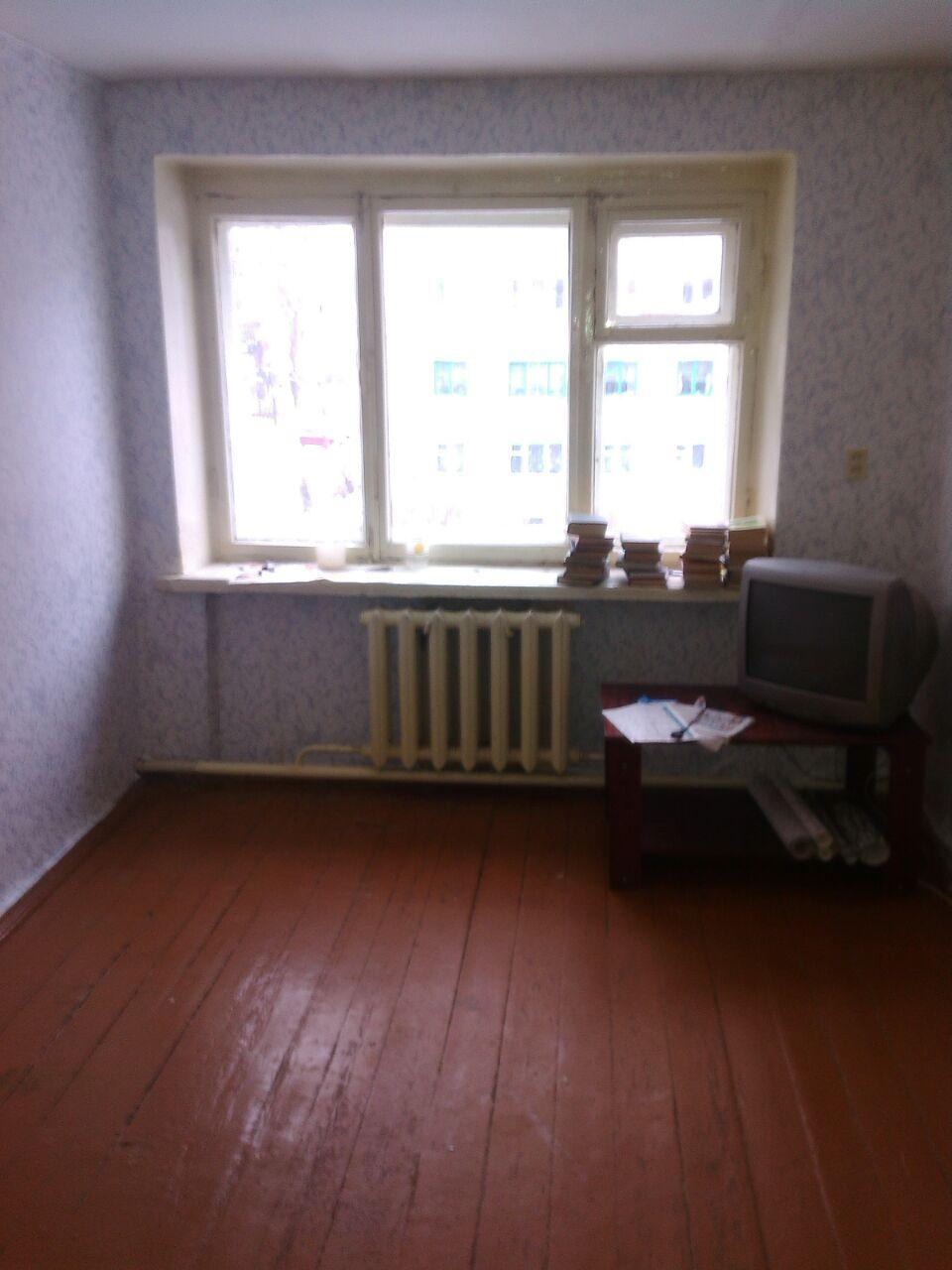 продается светлая, просторная комната в центре города зеленодольска. отдельно вы ...